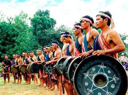 Chaque village du Tây Nguyên a son orchestre de gongs.