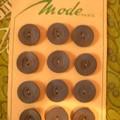 une plaquette de 12 boutons en résine; bleus; de 2cm de diamètre
