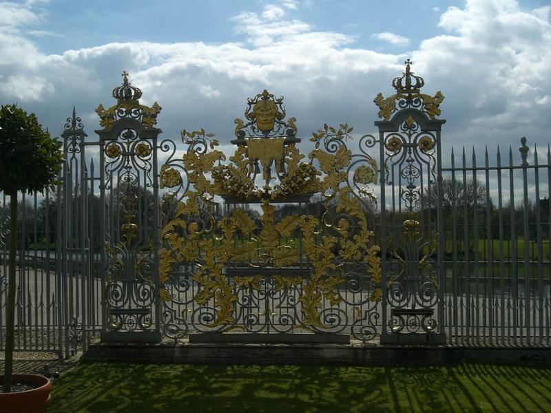 grille du jardin photo de hampton court mon blog. Black Bedroom Furniture Sets. Home Design Ideas