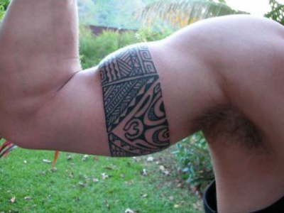 m-Made_by_Roonui_from_Moorea_1
