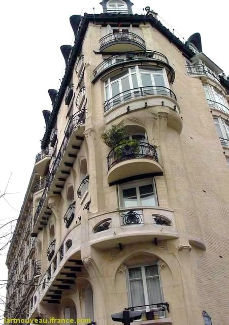 Guimard - Angle haut Immeuble Jassede