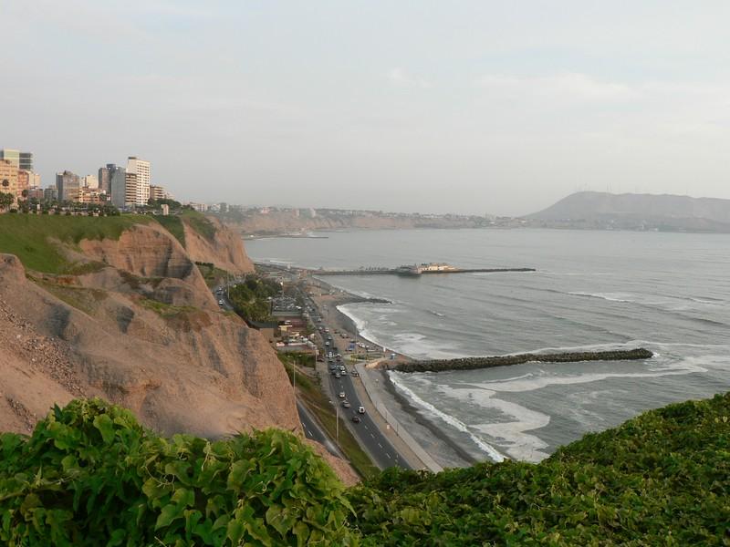 Les fameuses falaises de Lima, qui donnent sur l'Océan Pacifique