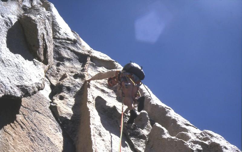 Jeef dans Charlotte Dome (Sierra Nevada)