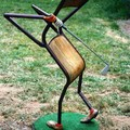 Chaise_jouant_au_golf1