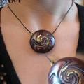 pendentif swirl (doré la feuille d'or)