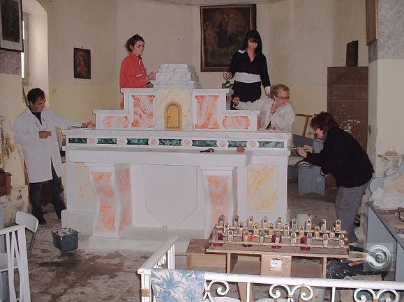 l'autel de la chapelle avant