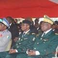 Le Général de Brigade Mangou (au centre)