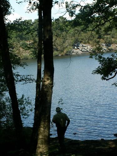 Silhouette devant le Lac de Guerlédan