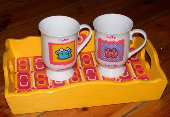 Plateau pop et mugs Kitty pour Justine et Louise