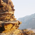 Gérard seul sur son rocher : il attend le coucher de soleil