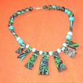 Une collier réalisée avec une cane mosaïque (anniversaire Camille)
