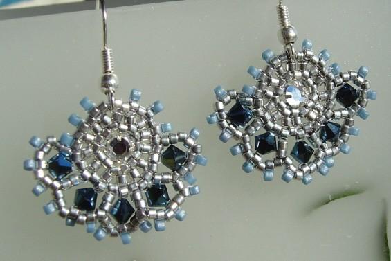éventail bleu-argent