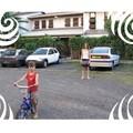 La parking et notre voiture la KA blanche