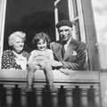 Jean-Paul et ses grands parents 1939