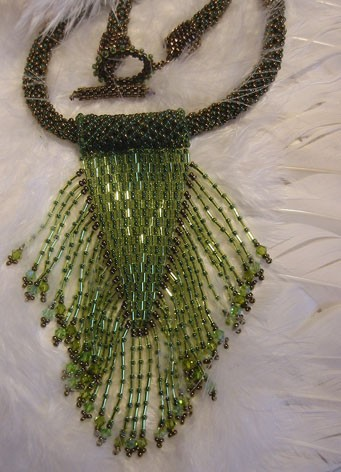 Collier franges vertes (Schéma Bead and Button)