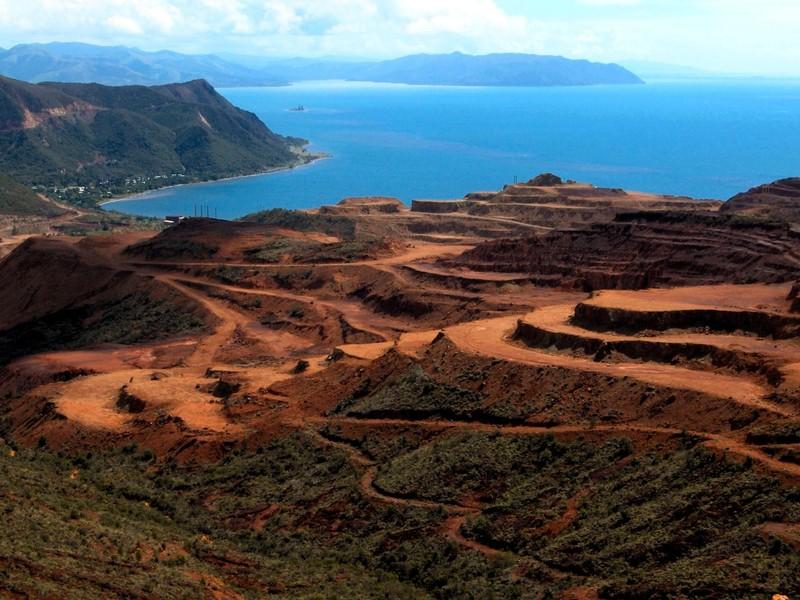 les mines de nickel kouaoua photo de 60 nouvelle caledonie 2005 les couleurs de myc. Black Bedroom Furniture Sets. Home Design Ideas