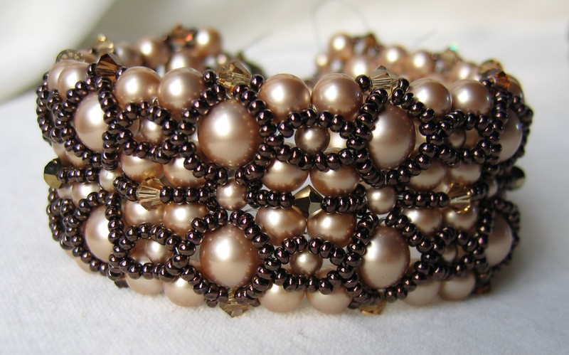 bracelet_Baroque_Almond_Powder
