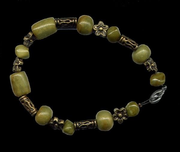 Bracelet jade polymère + peerles bronze-dorée