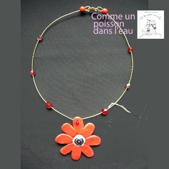 fleur_solo_rouge_collier