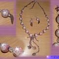 collier avec perles polymères roses et chips d'améthystes