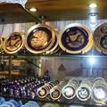 Assiettes gravées à l'or / Platos grabados a oro