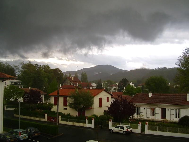 le 22/04/05 un gros orage de grele se préparais