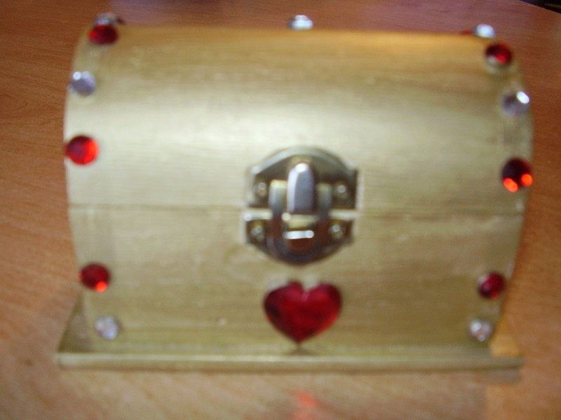 coffre a bijoux (peinture et strass)