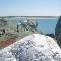 rocher blanc et mer bleu