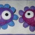 Fleurs bleues et violettes