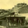 Un dépôt de riz à Cholon