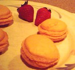 strwberry_macarons1