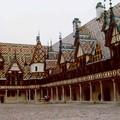 Les Toits de Bourgogne, très représentatifs à Beaune, aux Hospices