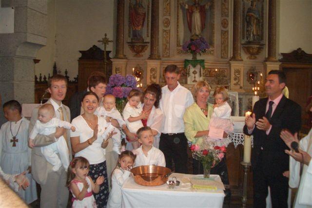 Il y avait 4 enfants baptises ce jour la
