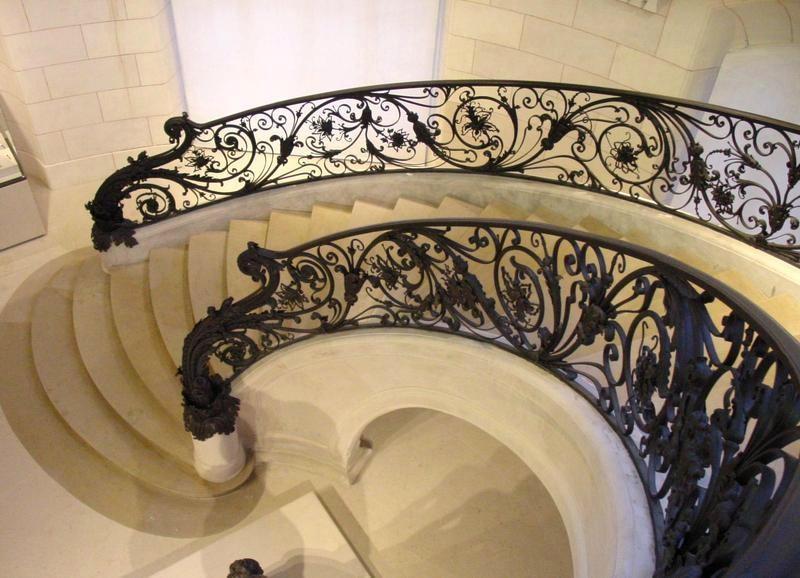 30 - un des deux escaliers d'angle