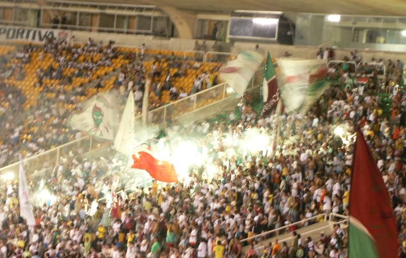 Supporters_Fluminense_d_cha_n_s_lors_du_derby_contre_Flamengo