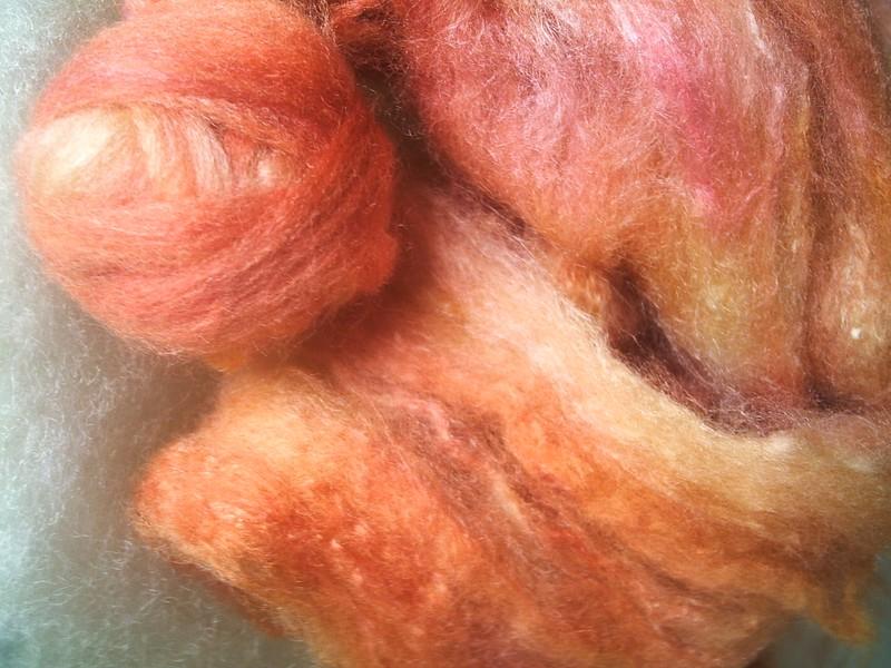 laine et soie à la teinture alimentaire