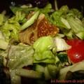 Salade de mesclin, courgettes, graines et figues