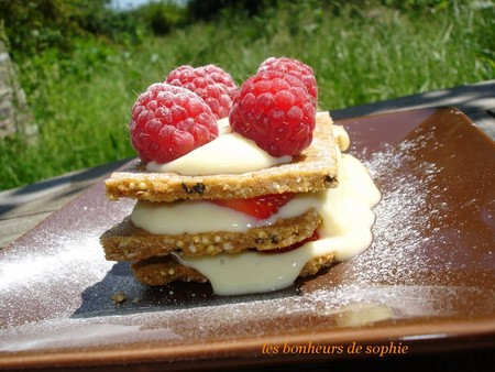 millefeuille_biscuits_creme_vanille_fraise_framboise