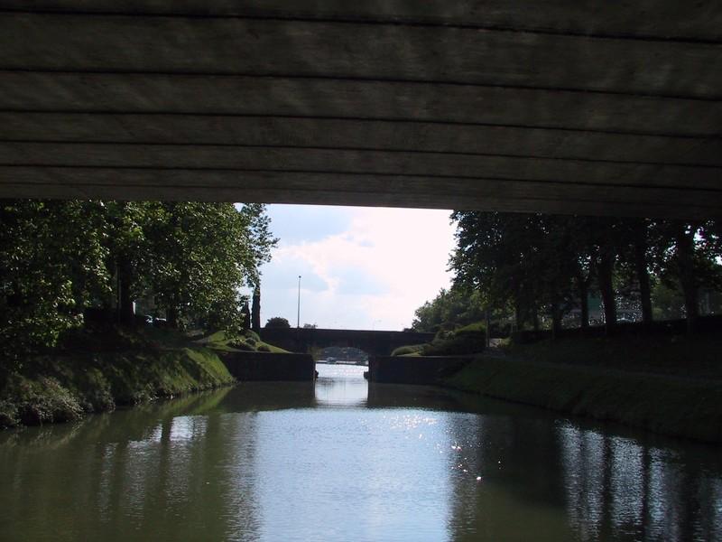 Vers le port de l'embouchure (ponts jumeaux)