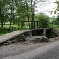 Le pont en bois, sur le mêne bru ( ruisseau )