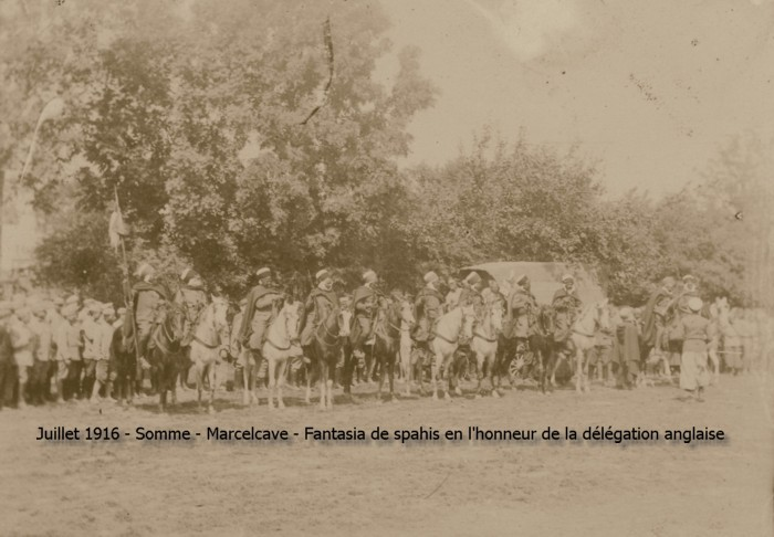 13_somme_marcelcave_fantasia_spahis_honneur_delegation_anglaise_160700_bis