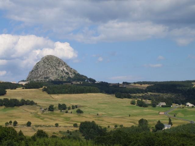 Le Mont Gerbier des Joncs vu de Clauzier