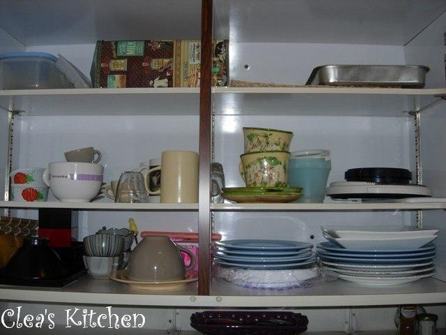 The kitchen meme en retard clea cuisine - Rangement vaisselle cuisine ...