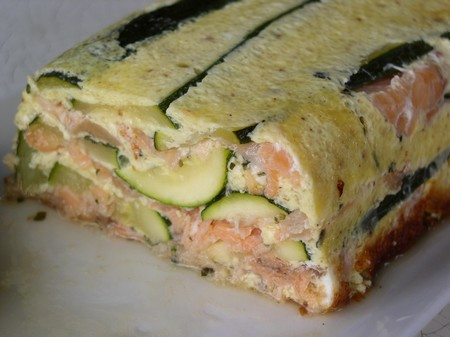 terrine de saumon fum aux courgettes sauce au pistou. Black Bedroom Furniture Sets. Home Design Ideas