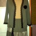 cardigan,top et jupe en jerseys et dentelle noire