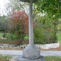 La croix du haut du village