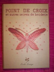 100_1480_livre_point_de_croix_et_autres_secrets