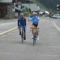 Laurent et Jean-Christophe D. en haut du col des Saisies, en duo