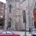 eine der Unis, ein Kirchenbau ist Teil der Uni