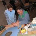 VV et Nini travaillant